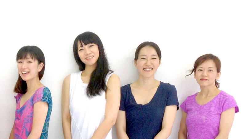 京都ヨガ・IYC京都五条 RAVISTA二条スタジオ講師 左からユウカ先生・ユキコ先生・カヨ先生・ノリコ先生