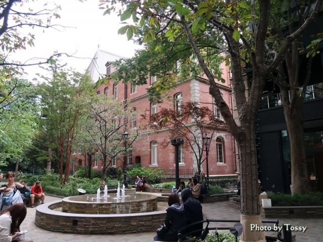 三菱一号館中庭