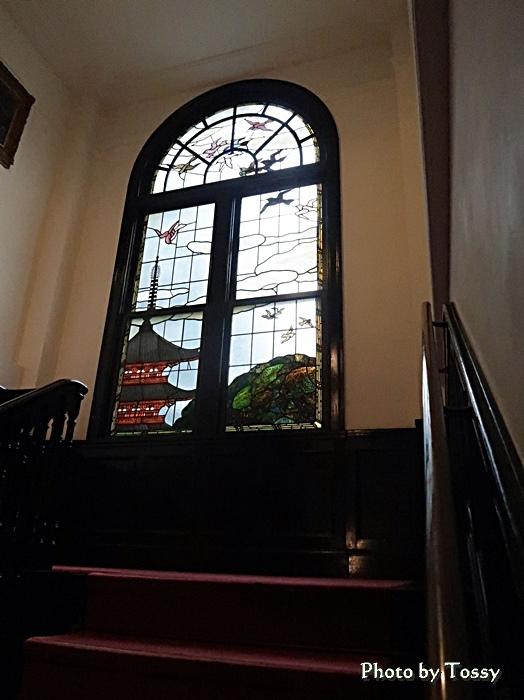 階段室ステンドグラス