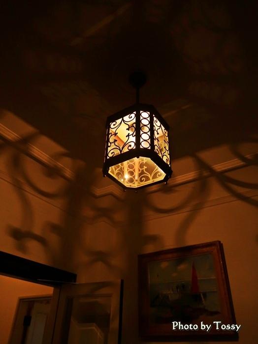 階段下電灯
