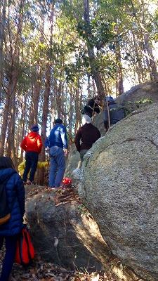 にぎわいの上の岩20180114