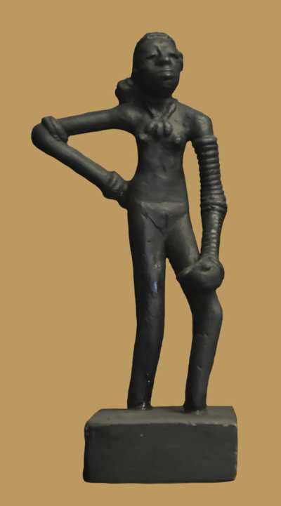 Dancing_Girl_of_Mohenjo-daro_824.jpg