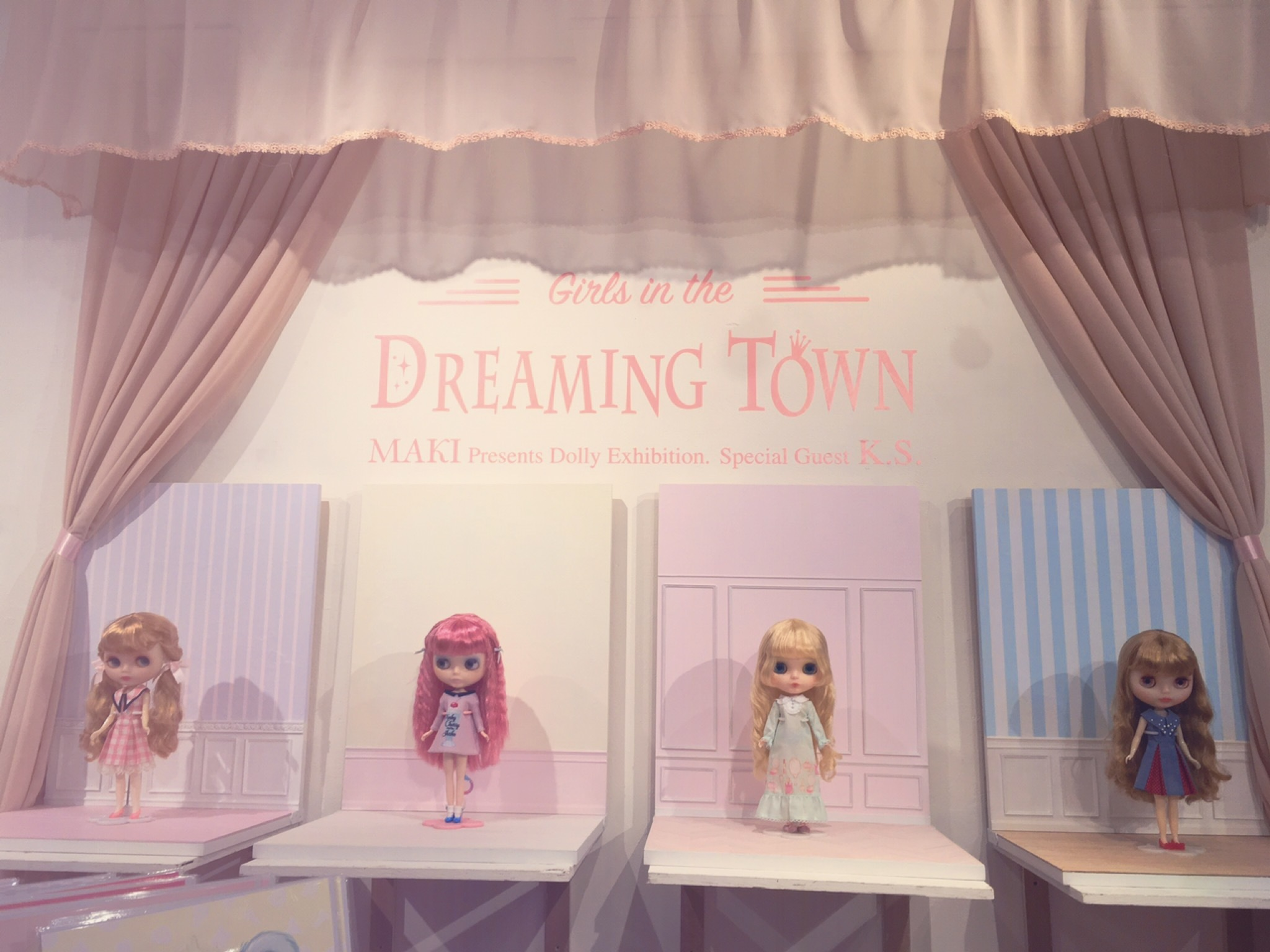 『Girls in the Dreming Town』