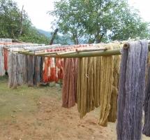 ヒマラヤ 染織の衣  亜舎