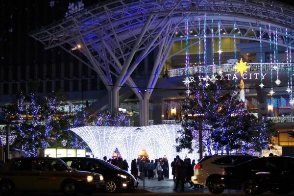 博多駅 クリスマスのイルミネーション
