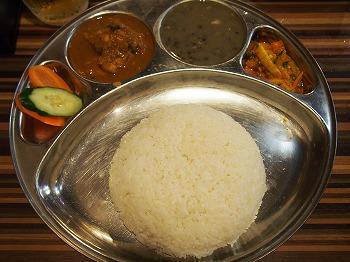 okubo-newa-dining10.jpg