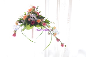 ほそぶちさん 非対称形の花嫁の花束完成