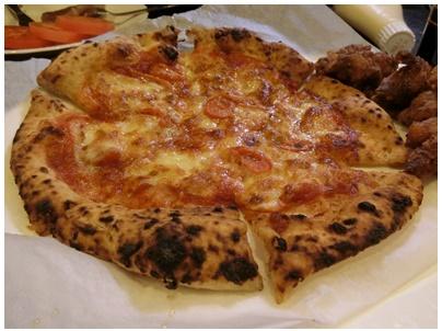 焼き立てピザ2
