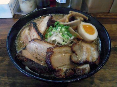 麺や_くう_醤油ラーメン・チャーシュー