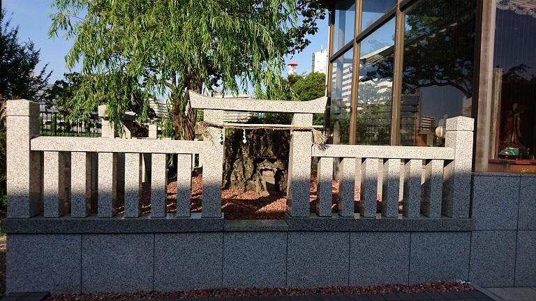 04 梅若塚全景