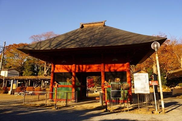12 拝島大日堂仁王門