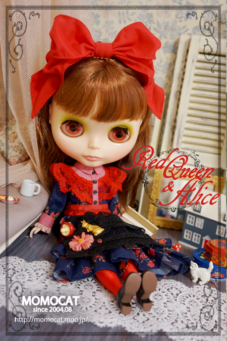 Red-Queen--Alice02.jpg