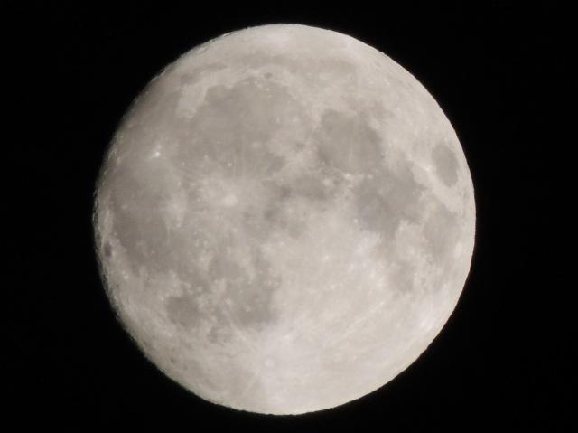 N9712満月
