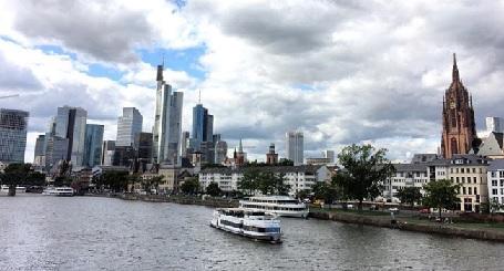 Frankfurt from river