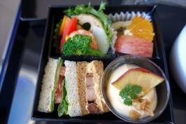 福岡-名古屋(中部国際空港セントレア)のANA国内線プレミアムクラスに搭乗。