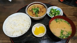 熊本市中央区水前寺のすずき家愛熊本店で家系ラーメン。
