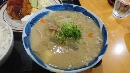熊本市中央区渡鹿の龍神橋食堂でボリュームたっぷり豚汁定食♪