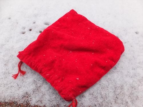 赤い布を用意