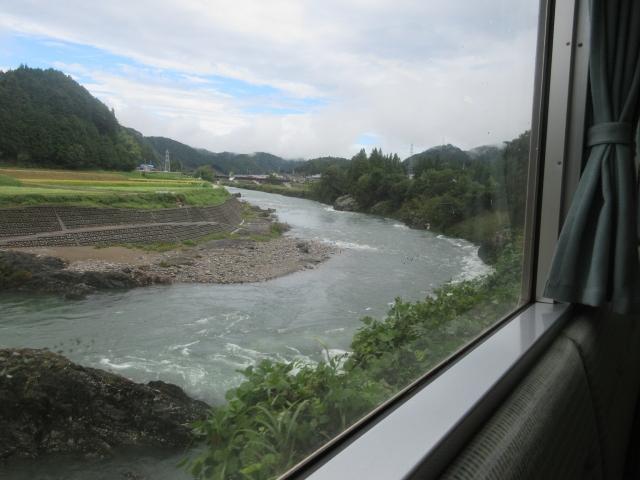 長良川沿い