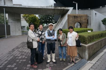 10/7六稜トークリレー 正門前で記念撮影