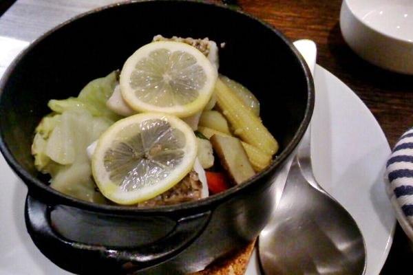 温野菜と真鯛のココット蒸し