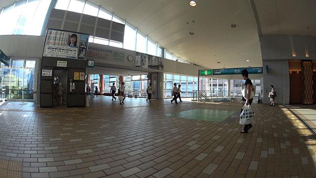 秋田駅西口
