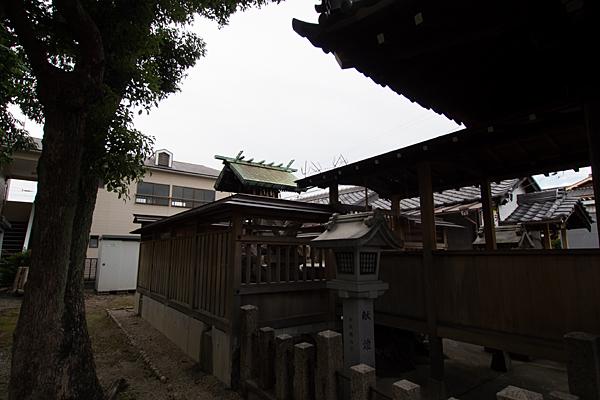 切戸町斎宮社社殿反対横から