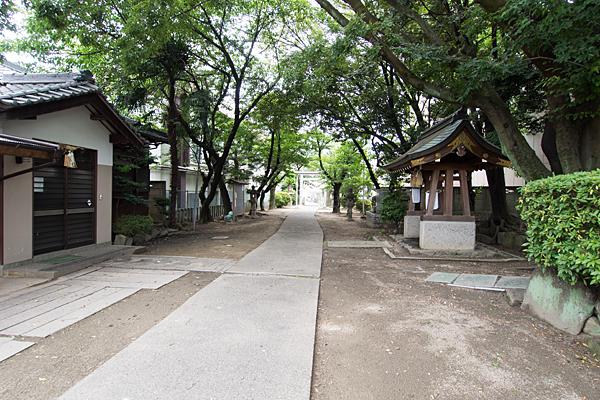 高畑神明社境内の風景