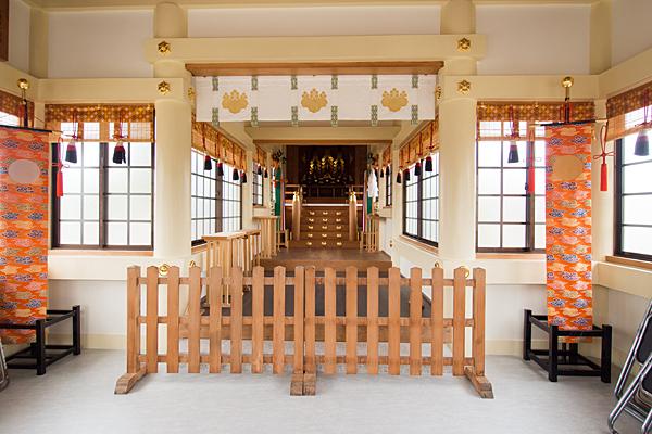 東中島八劔社拝殿内