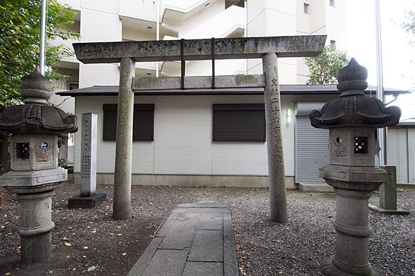 西町神社本社側から見る風景