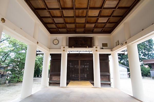 戸田八幡社拝殿内部