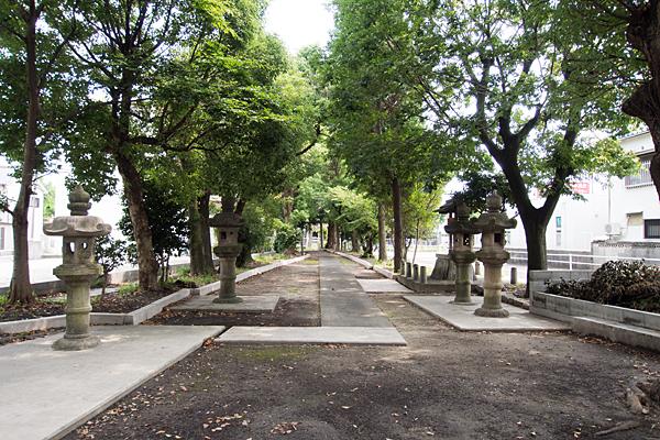 本陣通八幡社参道と境内の風景