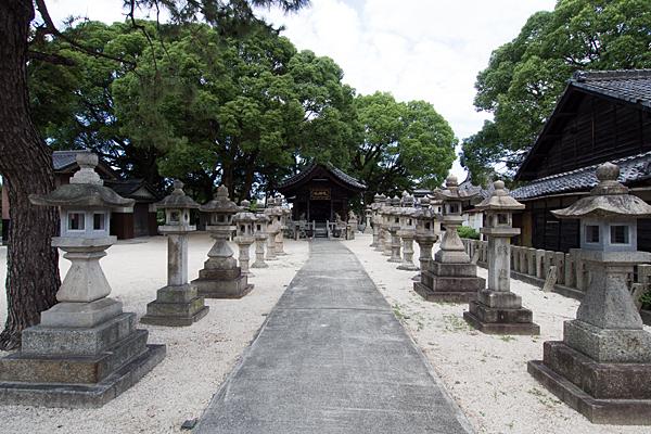 烏森天神社参道と灯籠