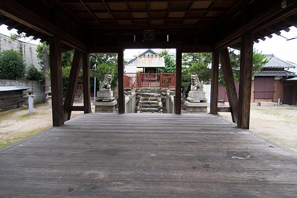 法華神明社拝殿内から本殿