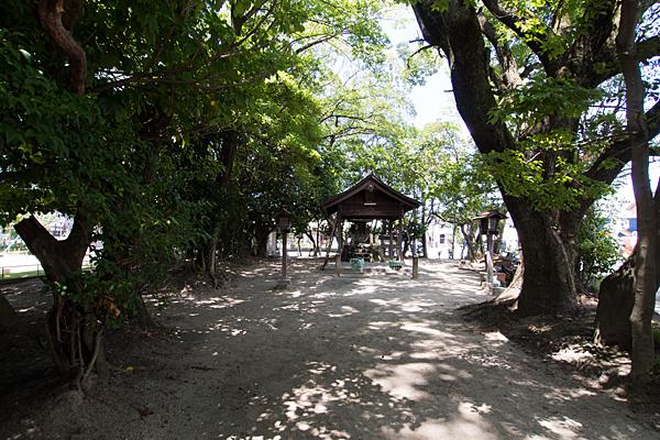 剣町八劔社参道