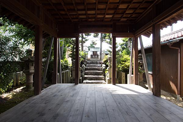 島井町熱田社拝殿内