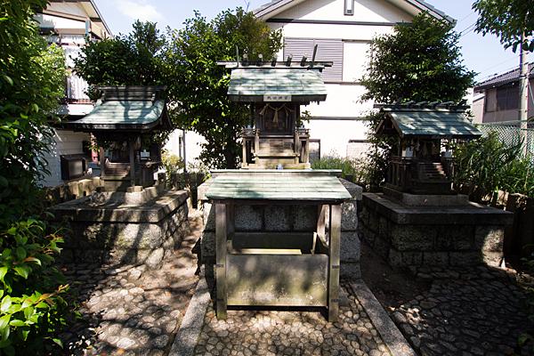 豊神社社三社