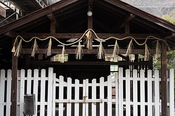 名城天王神社覆殿の中の本社