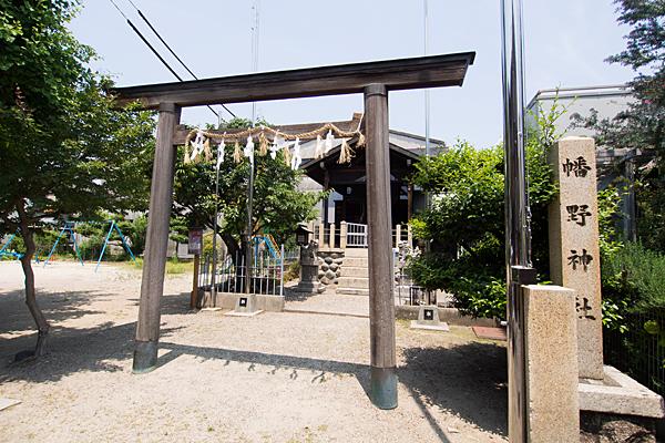 幡野神社正面からの全景