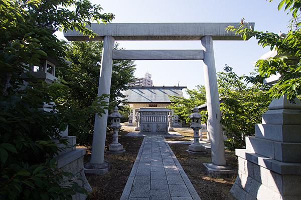 江松神明社鳥居前