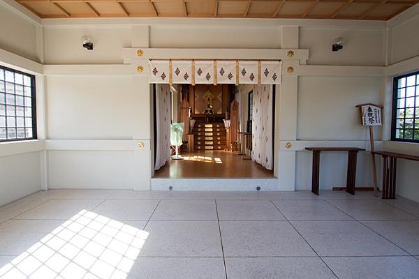 江松神明社拝殿内