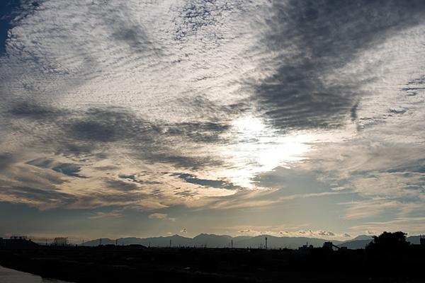 鰯雲と夕空