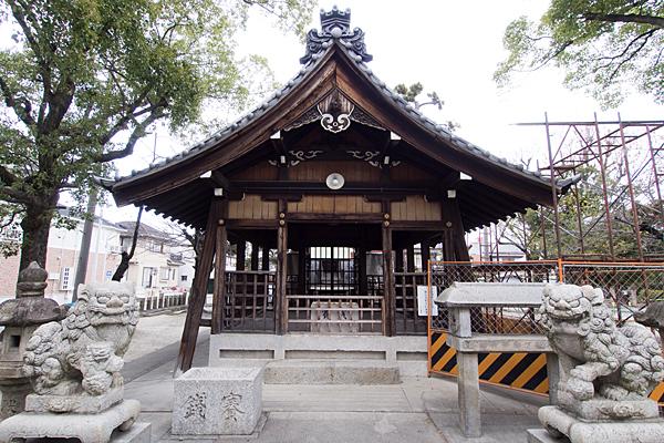 昭明町神明社狛犬と拝殿