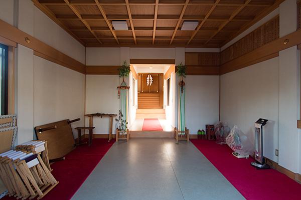 供米田神明社拝殿内
