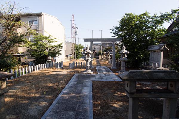 供米田神明社境内の風景