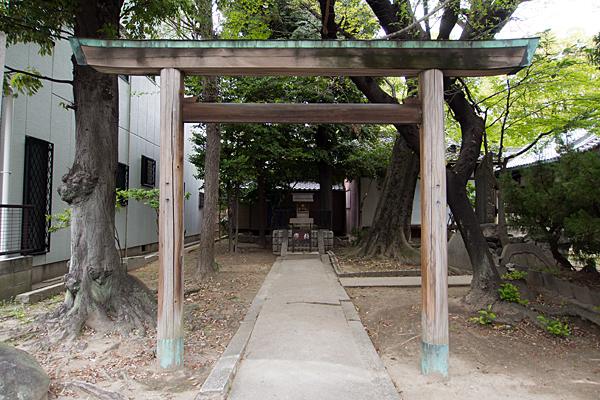 四番町神明社竜神社鳥居
