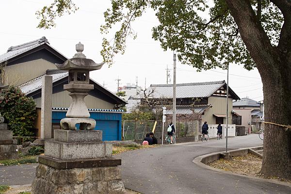 喜惣治神明社神社前の風景