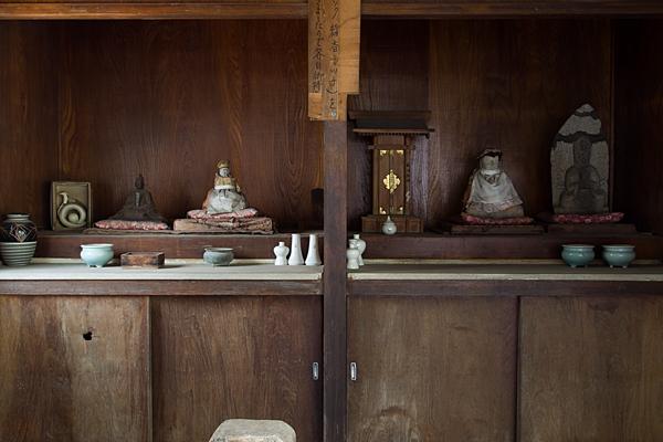 夜叉龍神社お堂の中