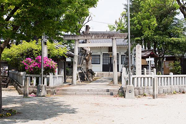 土江神社入り口
