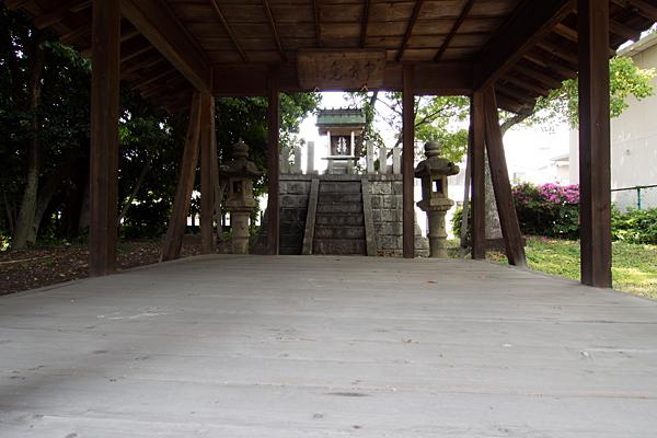 白山社・秋葉社拝殿から本殿